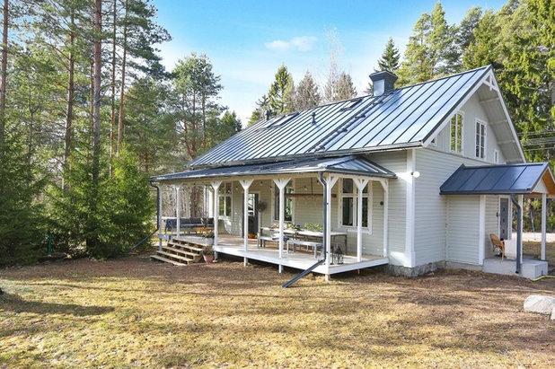 Skandinavisch Häuser by Fastighetsbyrån