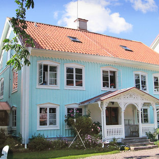 Example of a classic exterior home design in Orebro