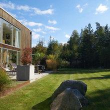 Houzz Tour: Elsker eller hader du dette firkantede familiehjem?