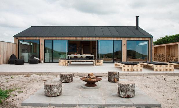 Skandinavisk Hus & facade by ak83 arkitekter