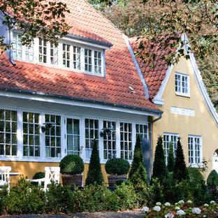 Farmhouse exterior home idea in Odense