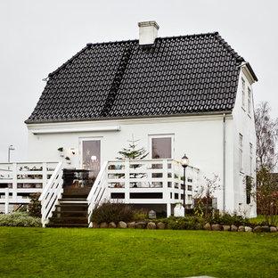 オーフスの北欧スタイルのおしゃれな家の外観の写真