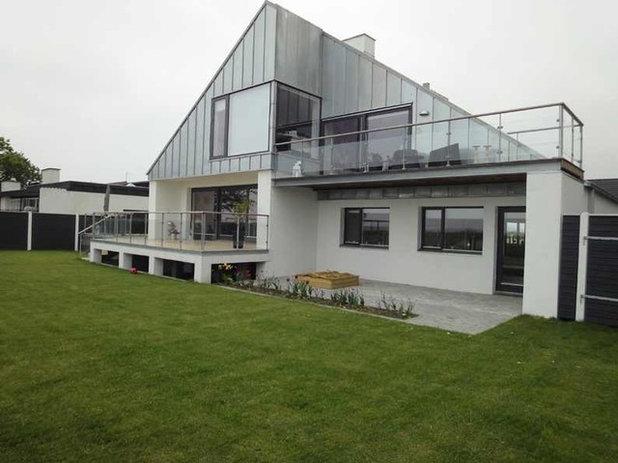 Moderne Hus & facade by Plass Arkitekter