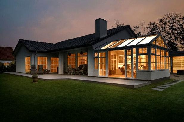 Moderne Hus & facade by Vica A/S