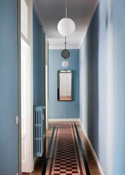 Eclettico Corridoio by Clara Bona - studio98