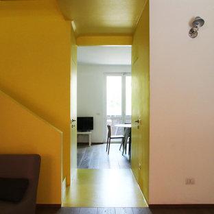 Hallway - contemporary hallway idea in Milan
