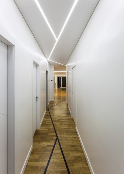 Contemporary Hall by STUDIO PI SRL