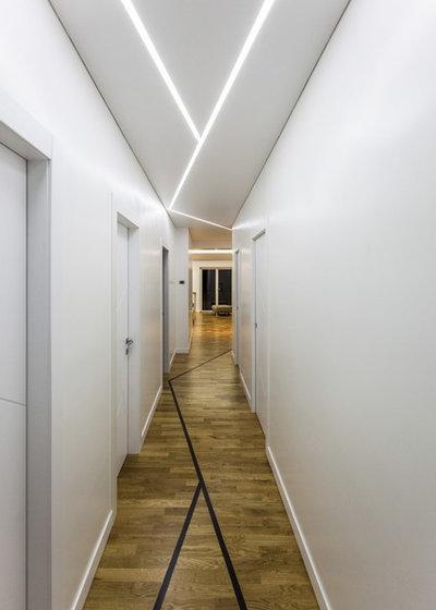 Contemporary Hall by STUDIO PI SRL