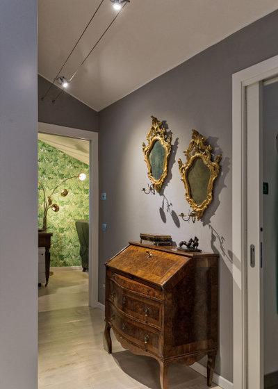 Classico Corridoio by Studio Pinelli
