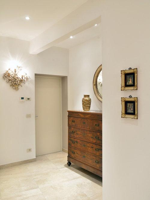 Foto e idee per ingressi e corridoi ingresso o corridoio - Mobile per ingresso classico ...