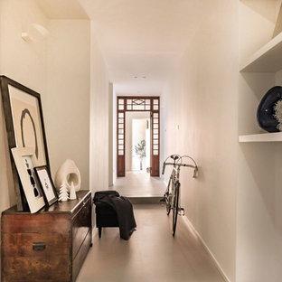 Cette image montre un couloir style shabby chic.