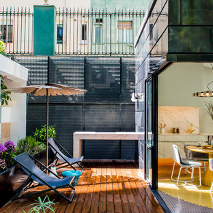 Design ideas for a mid-sized scandinavian landscaping in Madrid.