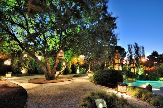 C mo iluminar el jard n por la noche para disfrutarlo for Idea paisajismo patio al aire libre