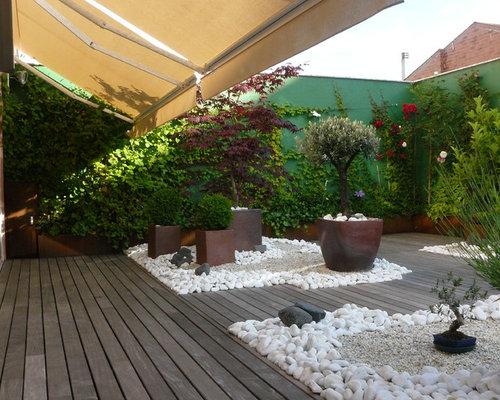 petit jardin romantique photos et id es d co de jardins. Black Bedroom Furniture Sets. Home Design Ideas