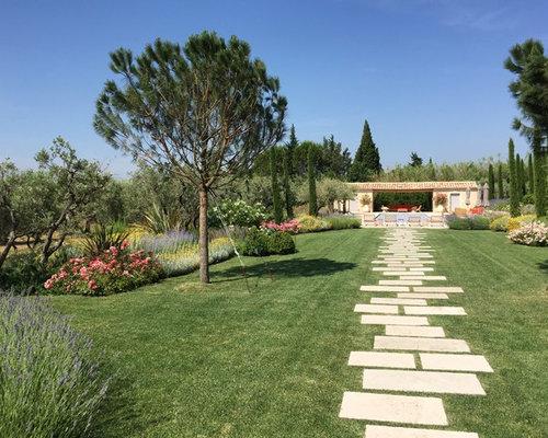 Jardin M Diterran En Avec Des Pav S En Pierre Naturelle Photos Et Id Es D Co De Jardins