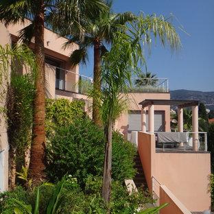 Idées déco pour un petit jardin sur toit méditerranéen.