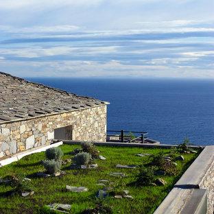 Cette photo montre un jardin sur toit méditerranéen de taille moyenne.