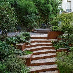 Réalisation d'un jardin design de taille moyenne.