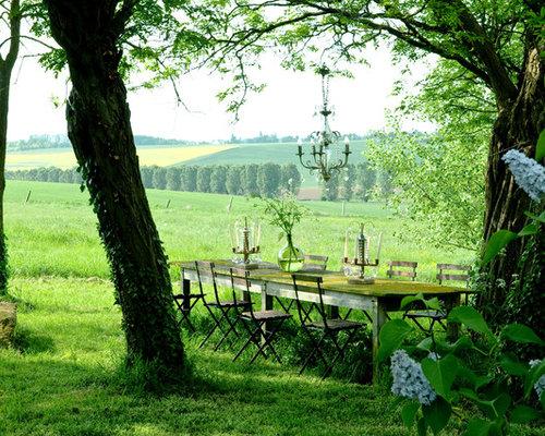 Ger umiger shabby chic style garten ideen f r die for Gartengestaltung schattiger garten