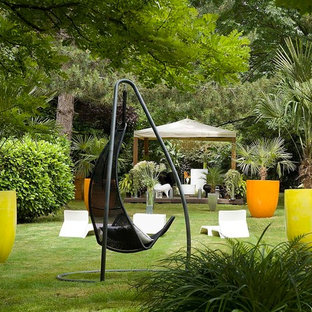 Garten mit Kübelpflanzen in Frankreich - Ideen für die Gartengestaltung