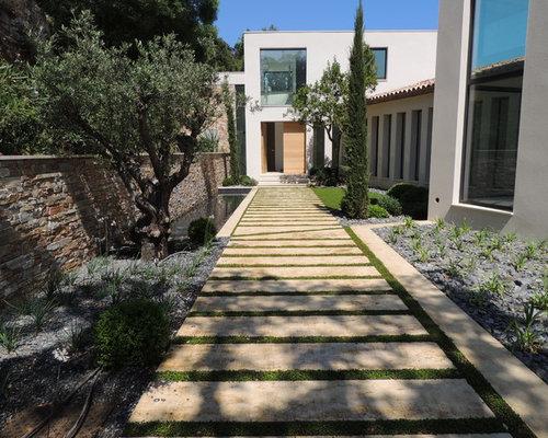 Jardin Contemporain Avec Des Pav S En Pierre Naturelle Photos Et Id Es D Co De Jardins