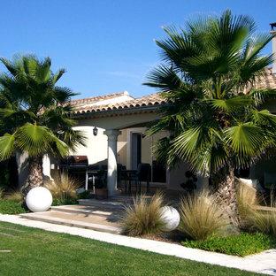 Inspiration pour un jardin avant méditerranéen de taille moyenne avec une entrée ou une allée de jardin.