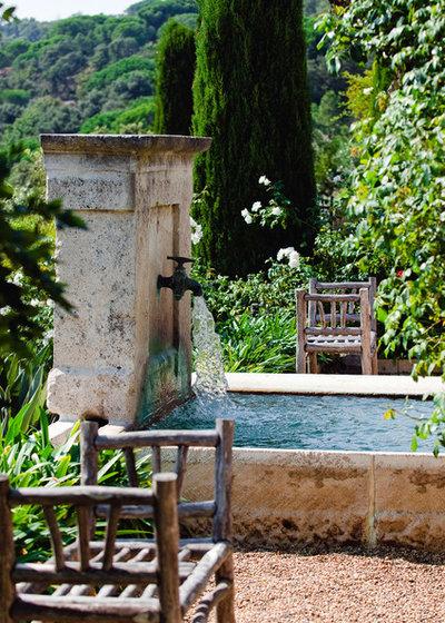 10 fontane per trasformare il tuo giardino in un oasi for Acquario da giardino