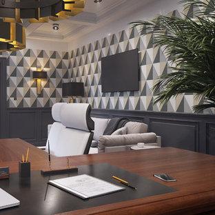 Diseño de sala de manualidades clásica renovada, de tamaño medio, con suelo de madera oscura, escritorio independiente y suelo rojo