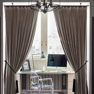 Удачное сочетание для дизайна помещения: кабинет в стиле современная классика с рабочим местом и отдельно стоящим рабочим столом - самое интересное для вас