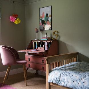 Ispirazione per una cameretta per bambini tradizionale