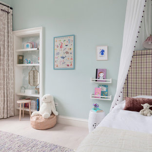 Design ideas for a traditional children's room for girls in Edinburgh with blue walls and beige floors.
