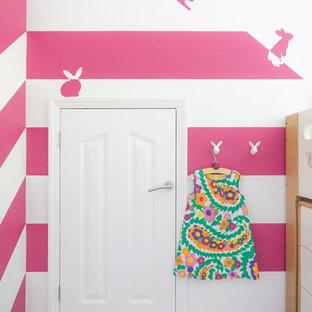 Chambre d\'enfant avec un mur rose Hertfordshire : Photos et ...