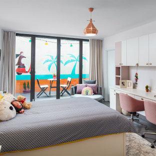 Diseño de dormitorio infantil actual, grande, con suelo de baldosas de cerámica, suelo gris y paredes blancas
