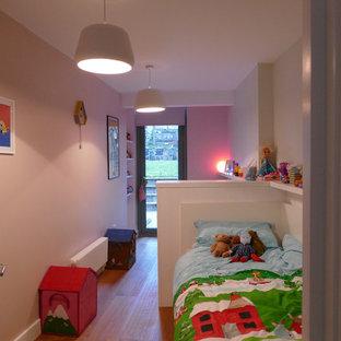 Ejemplo de dormitorio infantil contemporáneo pequeño