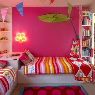 Idee per una cameretta per bambini da 4 a 10 anni bohémian di medie dimensioni con pareti rosa e moquette