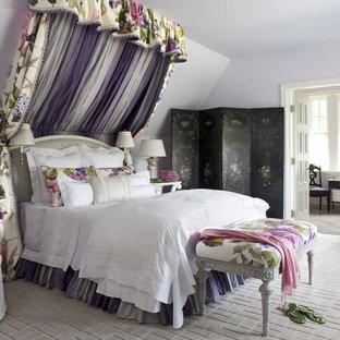 Foto de habitación de niña tradicional con paredes púrpuras