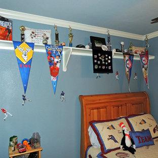 Kids' room - traditional kids' room idea in Austin