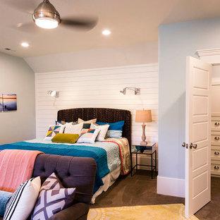Idées déco pour une très grand chambre d'enfant craftsman avec un mur bleu et moquette.