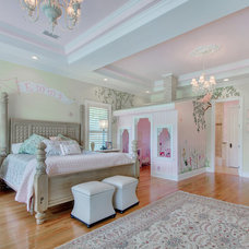 Traditional Kids by Emerald Coast Real Estate Photography