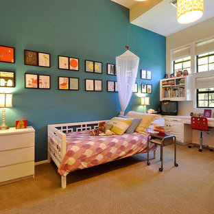 Inspiration for a contemporary girl kids' room remodel in Austin