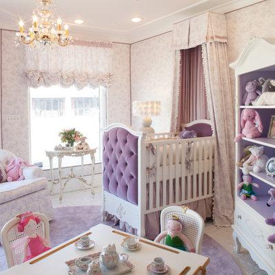 Kids' bedroom - traditional kids' bedroom idea in Los Angeles