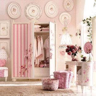 Diseño de dormitorio infantil moderno, grande, con paredes rosas y moqueta