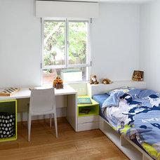 Modern Kids by Amitzi Architects