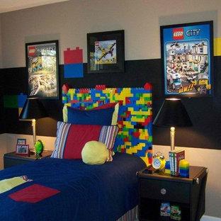 Modelo de dormitorio infantil de 4 a 10 años, contemporáneo, con paredes multicolor