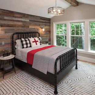 Foto de dormitorio infantil costero con paredes grises y suelo de madera clara