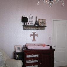 Traditional Kids Ava's Room