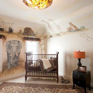 Aménagement d'une chambre d'enfant exotique.