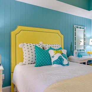 Idéer för att renovera ett maritimt flickrum kombinerat med sovrum, med blå väggar