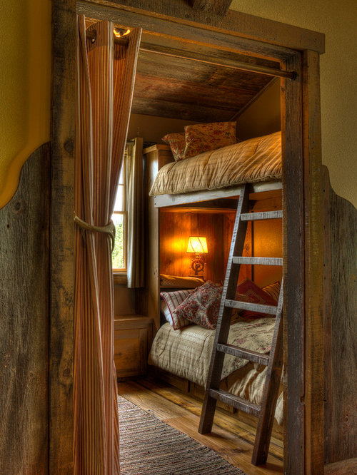 Rustic Bunk House Houzz