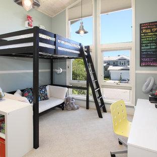 Immagine di una cameretta da letto tropicale